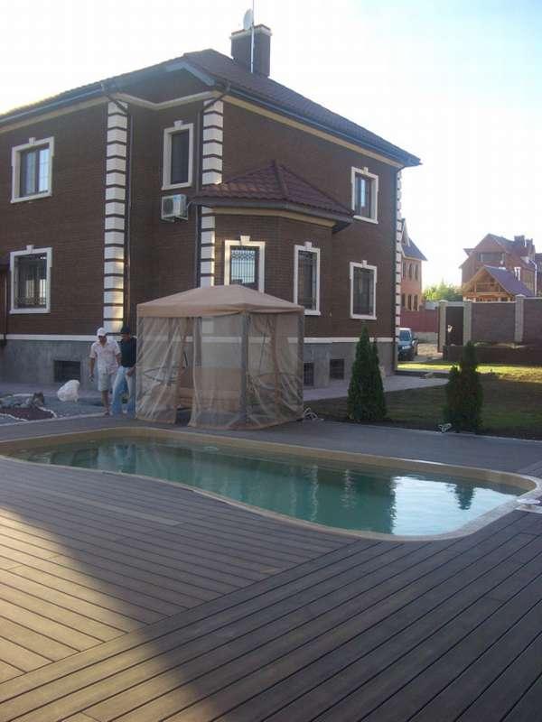 Отделка басейнов террасной доской из ДПК
